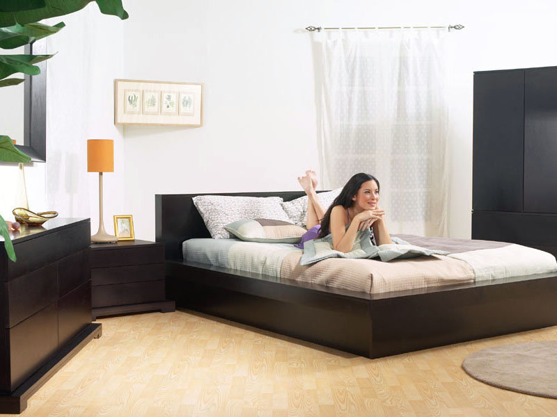 The Trestles Platform Bed And Bedroom Set In Cappuccino