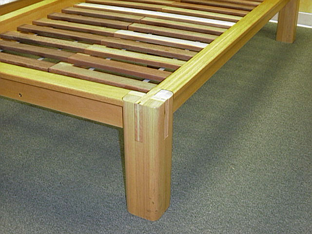 Platform bed frames clearance bed frame manufacturers for Twin bed frame clearance